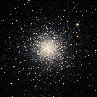 りょうけん座の球状星団M3