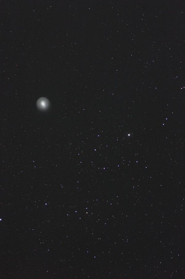 ペルセウス座運動星団と並ぶホームズ彗星